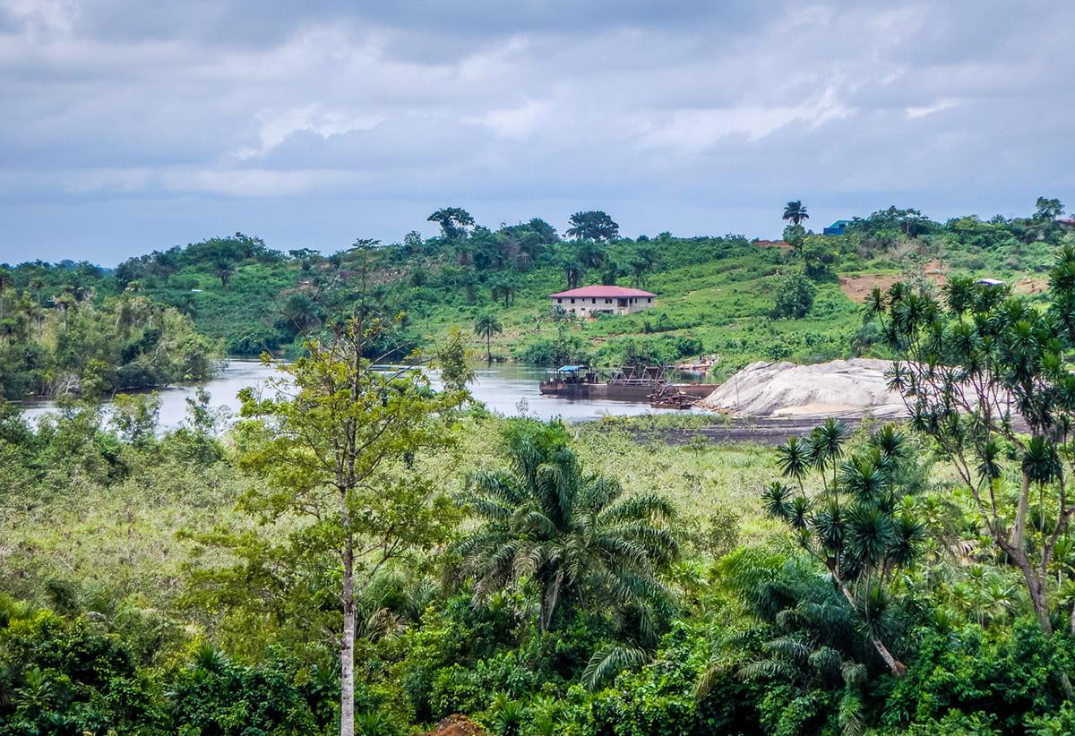 Liberia 航空券